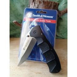Lot de Couteaux 3 Smith&Wesson Extreme Ops Lame Acier Inox Manche Abs Linerlock SWA14CP - Livraison Gratuite