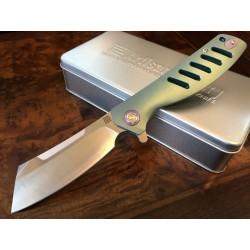 ATZ1815GGNM Artisan Cutlery Tomahawk M390 Blade Mint Green Titanium Handle - Livraison Gratuite