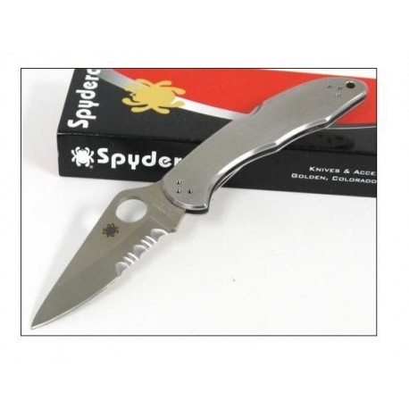 Couteau SPYDERCO SC11PS DELICA 4 STAINLES SERRATED