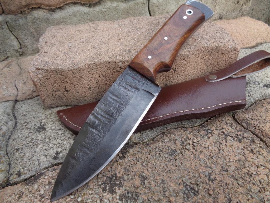 Bushcraft Bowie Couteau de Chasse Lame Forgée à la Main